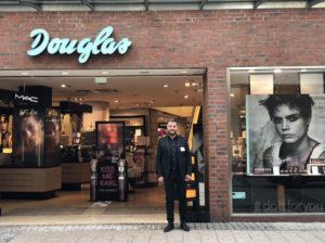 Sicherheitspersonal vor Dougals