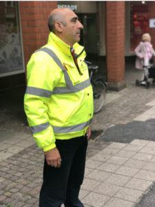 Sicherheitspersonal auf Straße